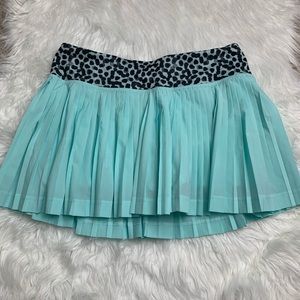 Lululemon Flawed Pleat to Street Turquoise Skirt